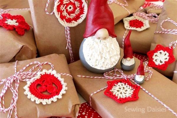 cadeaus inpakken doilys diygirls.blogspot.com