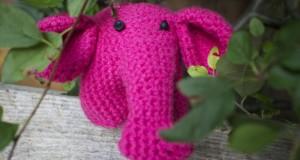 Roze olifantje geboren
